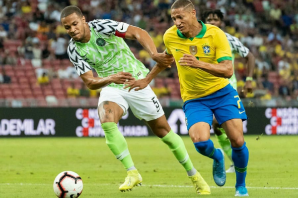 13/10/2019 - WILLIAM WORE NIGERIA CAPTAIN ARMBAND VS BRASIL